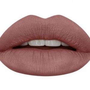 "HUDA BEAUTY Makeup - HUDA BEAUTY ""VENUS"" Liquid Matte Lipstick"